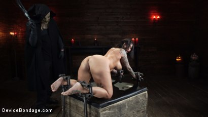 Photo number 17 from Nightmares Do Come True: Ivy LeBelle Confronted By Her Fears shot for Device Bondage on Kink.com. Featuring Ivy LeBelle in hardcore BDSM & Fetish porn.