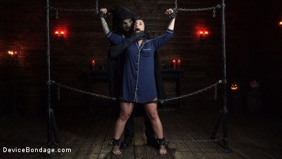 Photo number 3 from Nightmares Do Come True: Ivy LeBelle Confronted By Her Fears shot for Device Bondage on Kink.com. Featuring Ivy LeBelle in hardcore BDSM & Fetish porn.