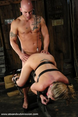 Photo number 9 from Kylie Worthy shot for Sex And Submission on Kink.com. Featuring Derrick Pierce and Kylie Worthy in hardcore BDSM & Fetish porn.