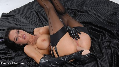 Veronica Avluv in Anal Toy Time