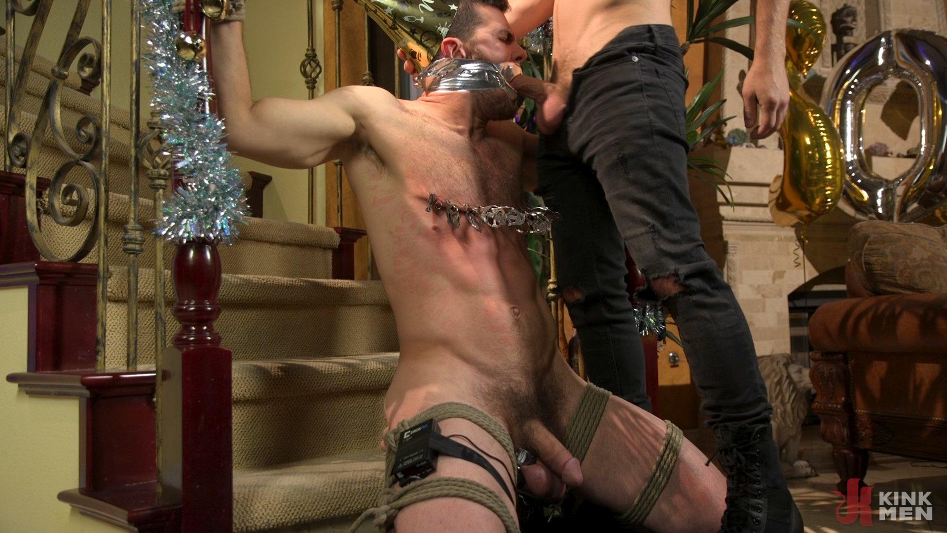 Photo number 14 from Homo Alone Part 2: Pizza Man Michael DelRay Punishes Vander Pulaski shot for Bound Gods on Kink.com. Featuring Michael DelRay and Vander Pulaski in hardcore BDSM & Fetish porn.