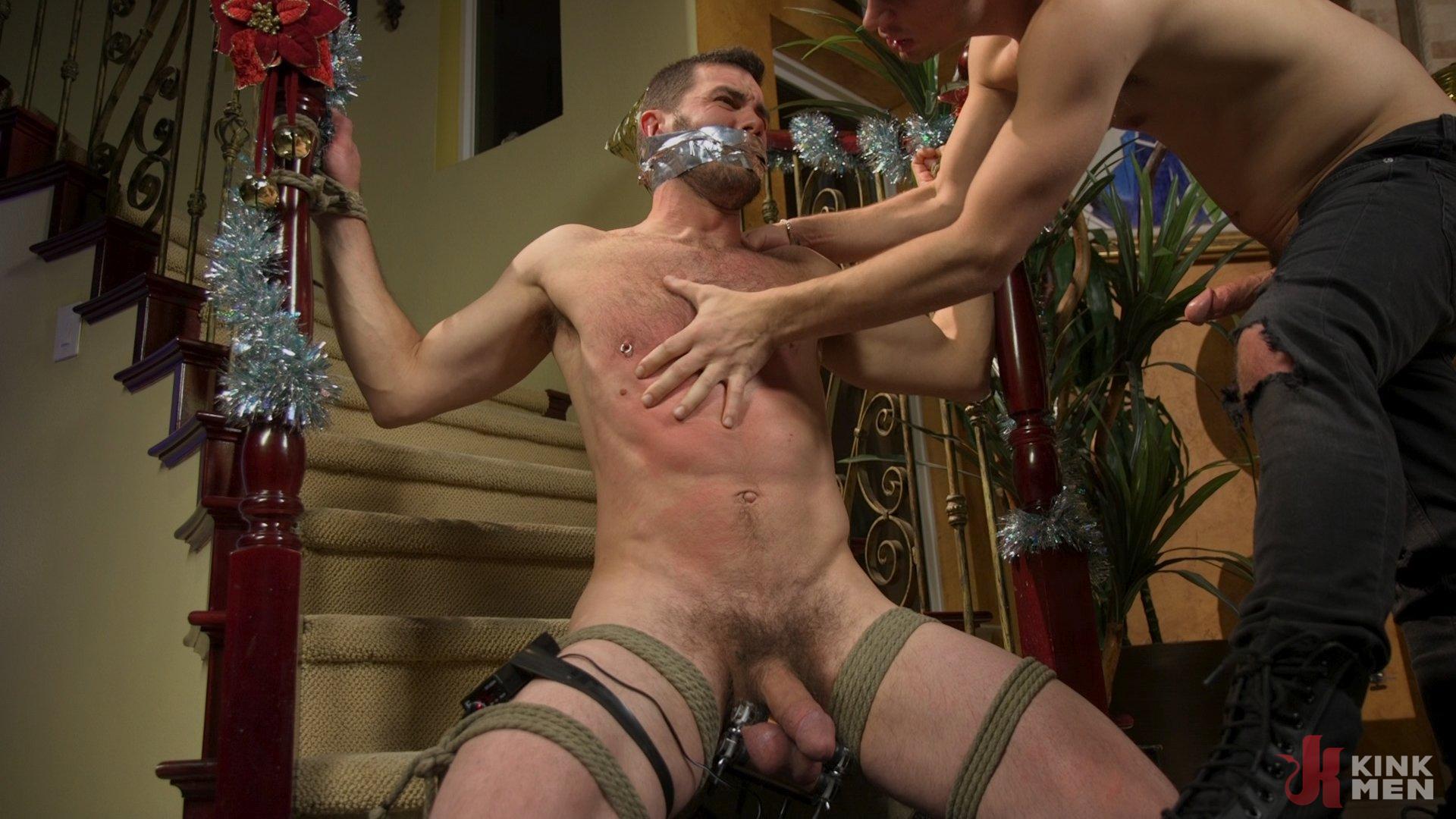 Photo number 18 from Homo Alone Part 2: Pizza Man Michael DelRay Punishes Vander Pulaski shot for Bound Gods on Kink.com. Featuring Michael DelRay and Vander Pulaski in hardcore BDSM & Fetish porn.
