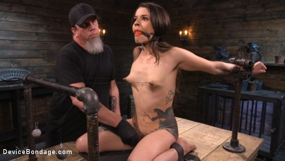 Photo number 3 from Vanessa Vega: Fresh Meat Lays It All On The Line shot for Device Bondage on Kink.com. Featuring Vanessa Vega in hardcore BDSM & Fetish porn.
