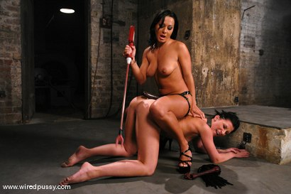 Photo number 9 from Sandra Romain and Ariel X shot for Wired Pussy on Kink.com. Featuring Sandra Romain and Ariel X in hardcore BDSM & Fetish porn.