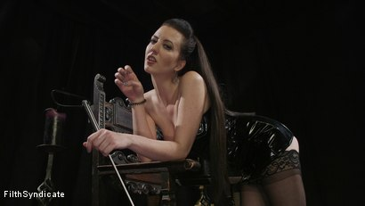 KINKY JOI: Mistress Torn's Dungeon