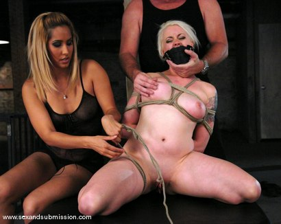 Photo number 5 from Live Show Revisited shot for Sex And Submission on Kink.com. Featuring Mark Davis, Lorelei Lee and Isis Love in hardcore BDSM & Fetish porn.