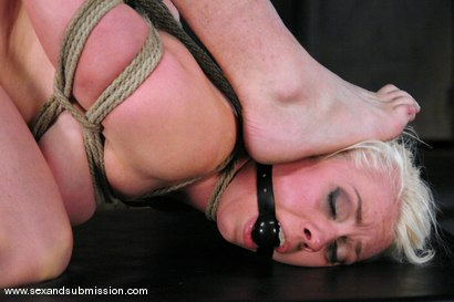 Photo number 8 from Live Show Revisited shot for Sex And Submission on Kink.com. Featuring Mark Davis, Lorelei Lee and Isis Love in hardcore BDSM & Fetish porn.