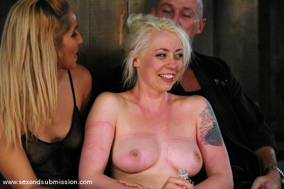 Photo number 15 from Live Show Revisited shot for Sex And Submission on Kink.com. Featuring Mark Davis, Lorelei Lee and Isis Love in hardcore BDSM & Fetish porn.