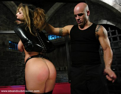 Photo number 3 from Derrick Pierce and Kayla Paige shot for Sex And Submission on Kink.com. Featuring Derrick Pierce and Kayla Paige in hardcore BDSM & Fetish porn.