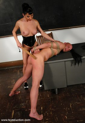 Photo number 11 from Chad Rock and Ariel Everitts shot for TS Seduction on Kink.com. Featuring Ariel Everitts and Chad Rock in hardcore BDSM & Fetish porn.