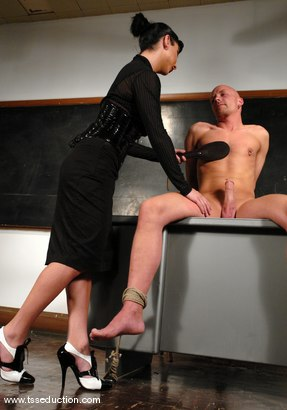 Photo number 4 from Chad Rock and Ariel Everitts shot for TS Seduction on Kink.com. Featuring Ariel Everitts and Chad Rock in hardcore BDSM & Fetish porn.