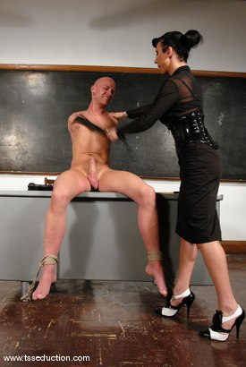 Photo number 6 from Chad Rock and Ariel Everitts shot for TS Seduction on Kink.com. Featuring Ariel Everitts and Chad Rock in hardcore BDSM & Fetish porn.