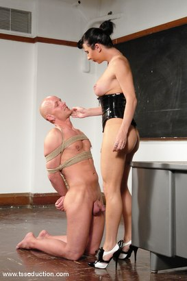 Photo number 7 from Chad Rock and Ariel Everitts shot for TS Seduction on Kink.com. Featuring Ariel Everitts and Chad Rock in hardcore BDSM & Fetish porn.