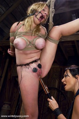 Photo number 4 from Sandra Romain and Sara Scott shot for Wired Pussy on Kink.com. Featuring Sandra Romain and Sara Scott in hardcore BDSM & Fetish porn.