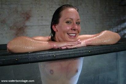 Photo number 15 from Julie Night Jams! shot for Water Bondage on Kink.com. Featuring Julie Night in hardcore BDSM & Fetish porn.