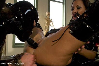 Photo number 7 from Sandra's Latex Slave shot for Wired Pussy on Kink.com. Featuring Sandra Romain and Devaun in hardcore BDSM & Fetish porn.