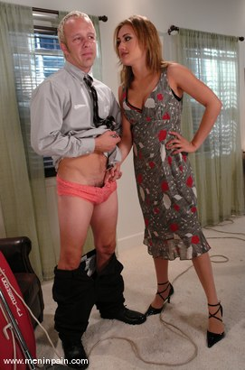 Photo number 3 from Billy and Gwen Diamond shot for Men In Pain on Kink.com. Featuring Billy and Gwen Diamond in hardcore BDSM & Fetish porn.