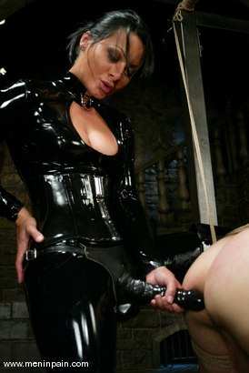 Photo number 7 from Euro Bitch Dominates worthless slave boy shot for Men In Pain on Kink.com. Featuring Tahiti Boy and Sandra Romain in hardcore BDSM & Fetish porn.