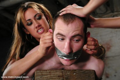 Photo number 5 from Double Teamed shot for Men In Pain on Kink.com. Featuring Sativa Rose, Gwen Diamond and Nomad in hardcore BDSM & Fetish porn.