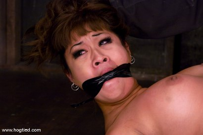 DragonLily is back and is doing a realtime Hogtied shoot. No breaks, no rest, no cuts.