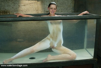 Photo number 15 from Gretchen Elvgren shot for Water Bondage on Kink.com. Featuring Gretchen  Elvgren in hardcore BDSM & Fetish porn.