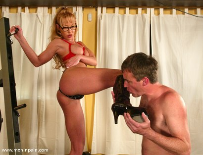 Photo number 8 from Janay and Wild Bill shot for Men In Pain on Kink.com. Featuring Wild Bill and Janay in hardcore BDSM & Fetish porn.