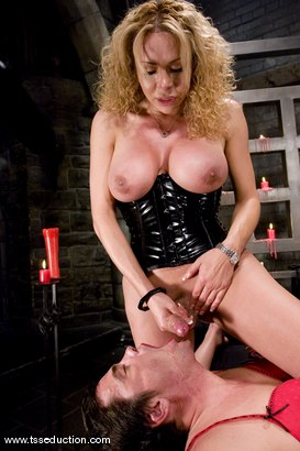 Photo number 14 from Gia Darling and Julian shot for TS Seduction on Kink.com. Featuring Gia Darling and Julian Fornatora in hardcore BDSM & Fetish porn.