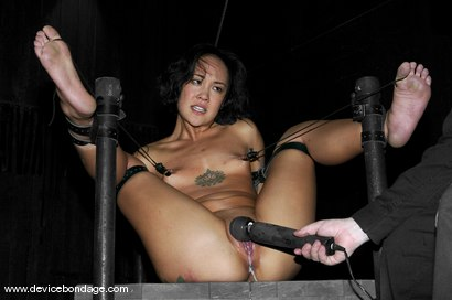 Photo number 15 from Zipper shot for Device Bondage on Kink.com. Featuring Jandi Lin in hardcore BDSM & Fetish porn.