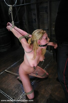 Photo number 8 from Voluptuous Vonn shot for Sex And Submission on Kink.com. Featuring Mark Davis and Victoria Vonn in hardcore BDSM & Fetish porn.