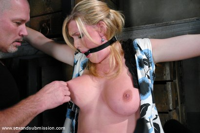 Photo number 5 from Voluptuous Vonn shot for Sex And Submission on Kink.com. Featuring Mark Davis and Victoria Vonn in hardcore BDSM & Fetish porn.