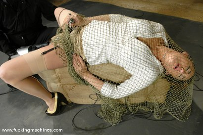 Photo number 3 from Trapping and Strapping Down Gwen Diamond shot for Fucking Machines on Kink.com. Featuring Gwen Diamond in hardcore BDSM & Fetish porn.