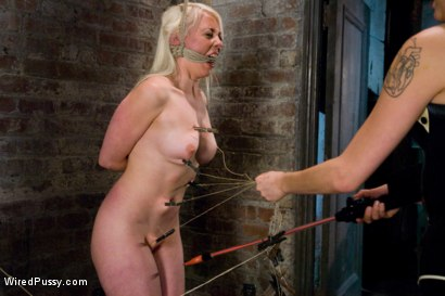 Photo number 15 from Switch: Lorelei Lee VS Anette Schwarz shot for Wired Pussy on Kink.com. Featuring Annette Schwarz and Lorelei Lee in hardcore BDSM & Fetish porn.