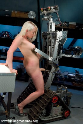Photo number 6 from Mechanically pleasuring Lorelei Lee shot for Fucking Machines on Kink.com. Featuring Lorelei Lee in hardcore BDSM & Fetish porn.