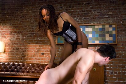 Photo number 9 from The Handy Man shot for TS Seduction on Kink.com. Featuring Nyobi Khan and Charlie Whitehorse in hardcore BDSM & Fetish porn.