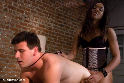 Photo number 14 from The Handy Man shot for TS Seduction on Kink.com. Featuring Nyobi Khan and Charlie Whitehorse in hardcore BDSM & Fetish porn.