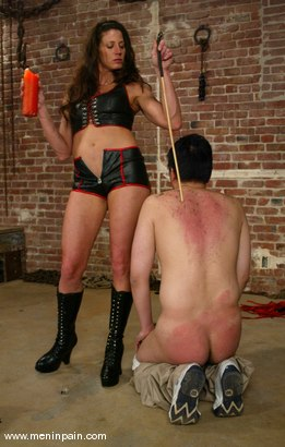 Photo number 11 from Dave and Kym Wilde shot for Men In Pain on Kink.com. Featuring Dave and Kym Wilde in hardcore BDSM & Fetish porn.