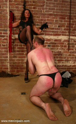 Photo number 14 from Mike and Kym Wilde shot for Men In Pain on Kink.com. Featuring Mike and Kym Wilde in hardcore BDSM & Fetish porn.