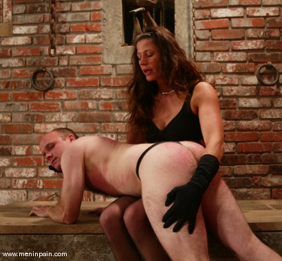 Photo number 3 from Mike and Kym Wilde shot for Men In Pain on Kink.com. Featuring Mike and Kym Wilde in hardcore BDSM & Fetish porn.