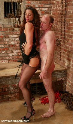 Photo number 4 from Mike and Kym Wilde shot for Men In Pain on Kink.com. Featuring Mike and Kym Wilde in hardcore BDSM & Fetish porn.