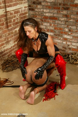 Photo number 3 from Kym Wilde and Kanada shot for Men In Pain on Kink.com. Featuring Kanada and Kym Wilde in hardcore BDSM & Fetish porn.