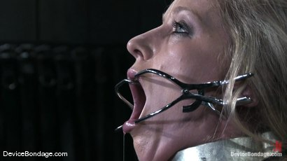 Photo number 14 from Dia Zerva Live aka Feel the Burn shot for Device Bondage on Kink.com. Featuring Dia Zerva in hardcore BDSM & Fetish porn.