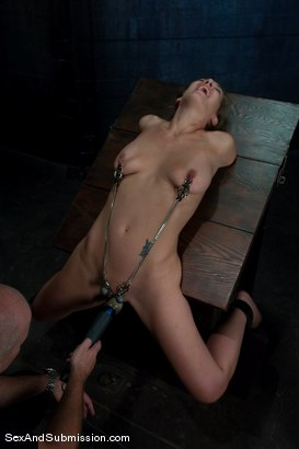 Photo number 4 from Jade Marxxx shot for Sex And Submission on Kink.com. Featuring Mark Davis and Jade Marxxx in hardcore BDSM & Fetish porn.