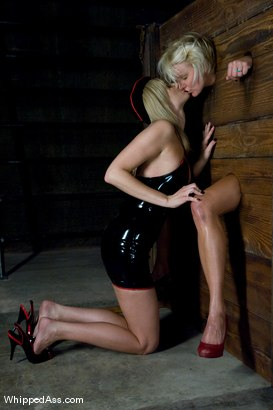 Photo number 6 from A CLASSIC FAVORITE: Vendetta in the Wall!!! <br> Maitresse Madeline's  shot for Whipped Ass on Kink.com. Featuring Maitresse Madeline Marlowe  and Vendetta in hardcore BDSM & Fetish porn.