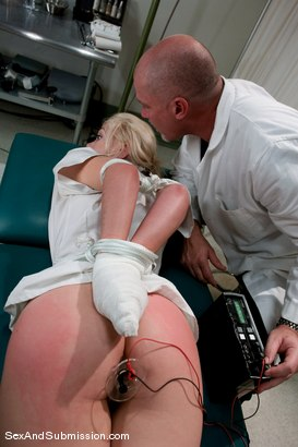 Photo number 5 from Nurse Sin shot for Sex And Submission on Kink.com. Featuring Mark Davis and Samantha Sin in hardcore BDSM & Fetish porn.