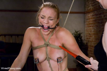 Photo number 7 from Kirra submits shot for Wired Pussy on Kink.com. Featuring Claire Adams and Kirra Lynne in hardcore BDSM & Fetish porn.