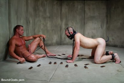 Photo number 4 from The Rat Boy shot for Bound Gods on Kink.com. Featuring Christian Owen and Tyler Saint in hardcore BDSM & Fetish porn.