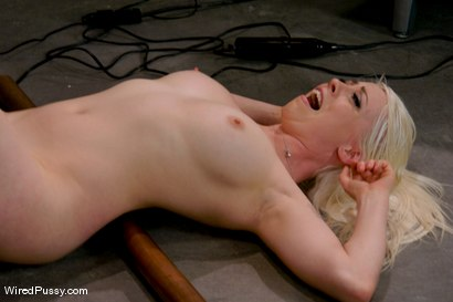 Photo number 13 from Electrical Demo Part 1: The Violet Wand shot for Wired Pussy on Kink.com. Featuring Lorelei Lee in hardcore BDSM & Fetish porn.
