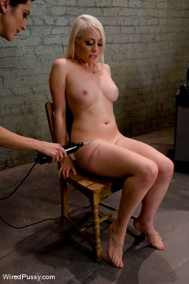 Photo number 9 from Electrical Demo Part 1: The Violet Wand shot for Wired Pussy on Kink.com. Featuring Lorelei Lee in hardcore BDSM & Fetish porn.