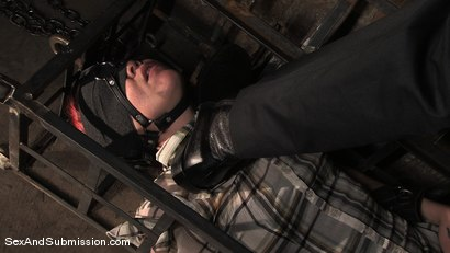 Photo number 1 from Local Girl shot for Sex And Submission on Kink.com. Featuring Steve Holmes and Lilla Katt in hardcore BDSM & Fetish porn.