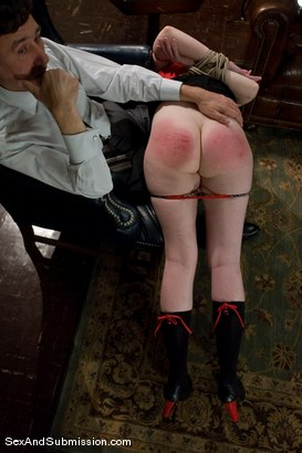 Photo number 6 from Servant Keen shot for Sex And Submission on Kink.com. Featuring Steve Holmes and Amber Keen in hardcore BDSM & Fetish porn.